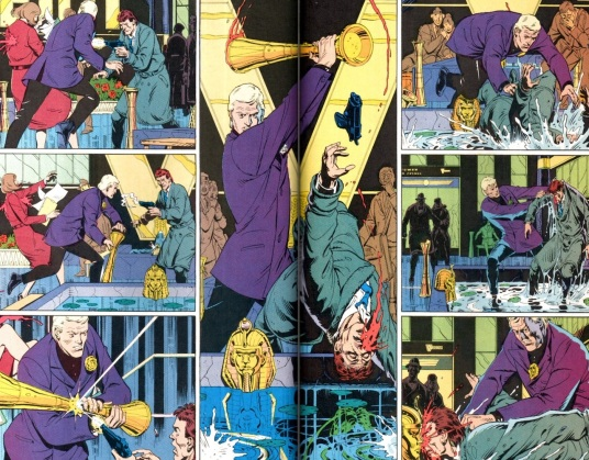La simetría es recurrente en Watchmen.   Páginas 14 y 15 del quinto capítulo